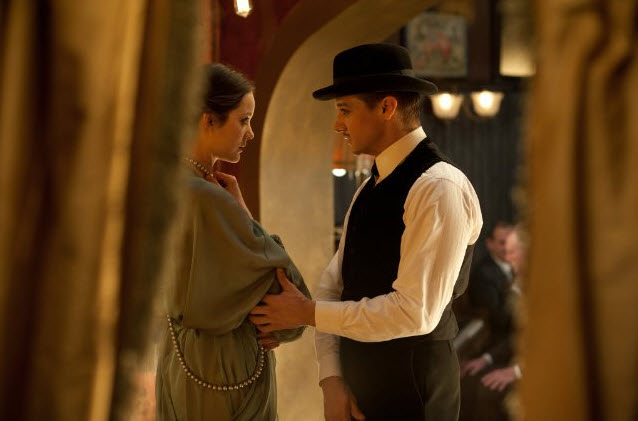 Marion Cotillard and Jeremy Renner in The Immigrant