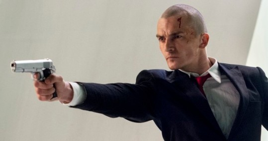 "DF-04496_04515_R -- Agent 47 (Rupert Friend) and Katia (Hannah Ware) are on the run in ""Hitman: Agent 47."