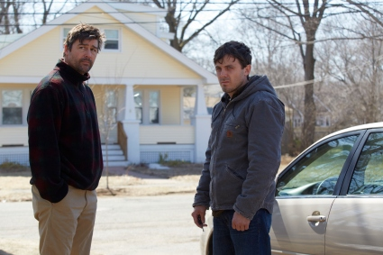 kyle-chandler-casey-affleck-credit_-claire-folger-courtesy-of-amazon-studios-and-roadside-attractions