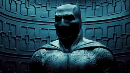 batman-v-superman-cowl-inspirational-image-batman-v-superman-trailer-cowl-batsuit-full-of-batman-v-superman-cowl